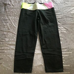 PINK Victoria's Secret Yoga Colorblock Waist Capri